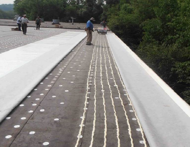 Installing a TPO roof