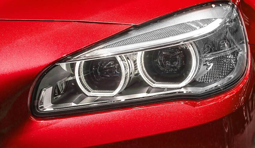 Differential Substrate Structural Bonding Headlight