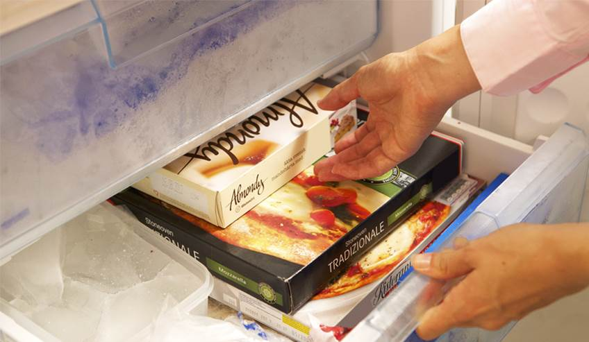 Low temperature retail packaging in freezer
